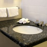 Room Sink & Amenities